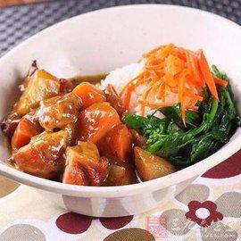 胡萝卜牛腩饭