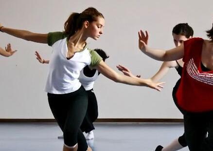 跳舞健身房