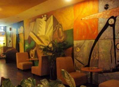 创意的手绘墙面开始逐渐流行,这种通过手——人类最灵巧的工具,画出来