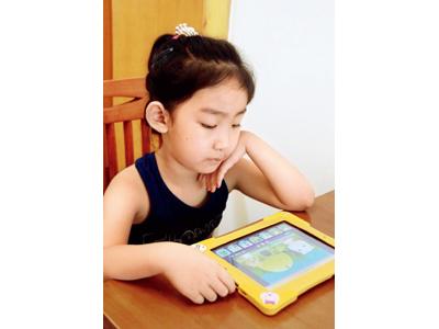 """儿童互联网如何赚钱 早教业中的""""笨""""公司 三联"""