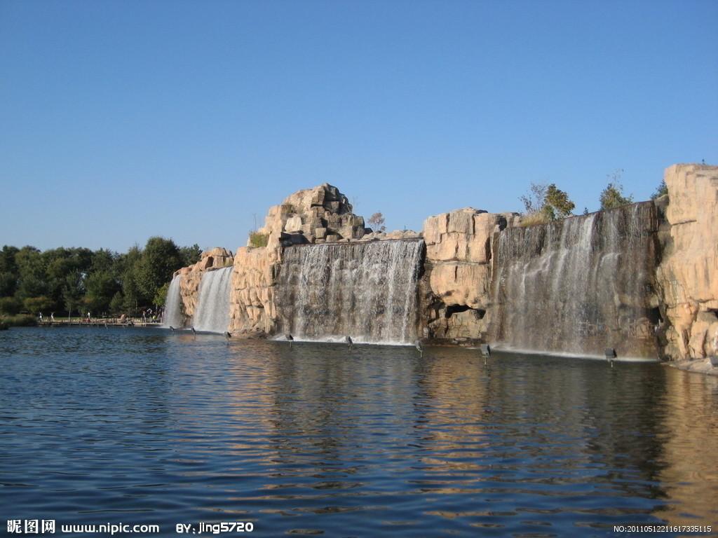 太阳瀑是太阳岛综合整治三期改造工程新增的人造景观,原址为哈尔滨市