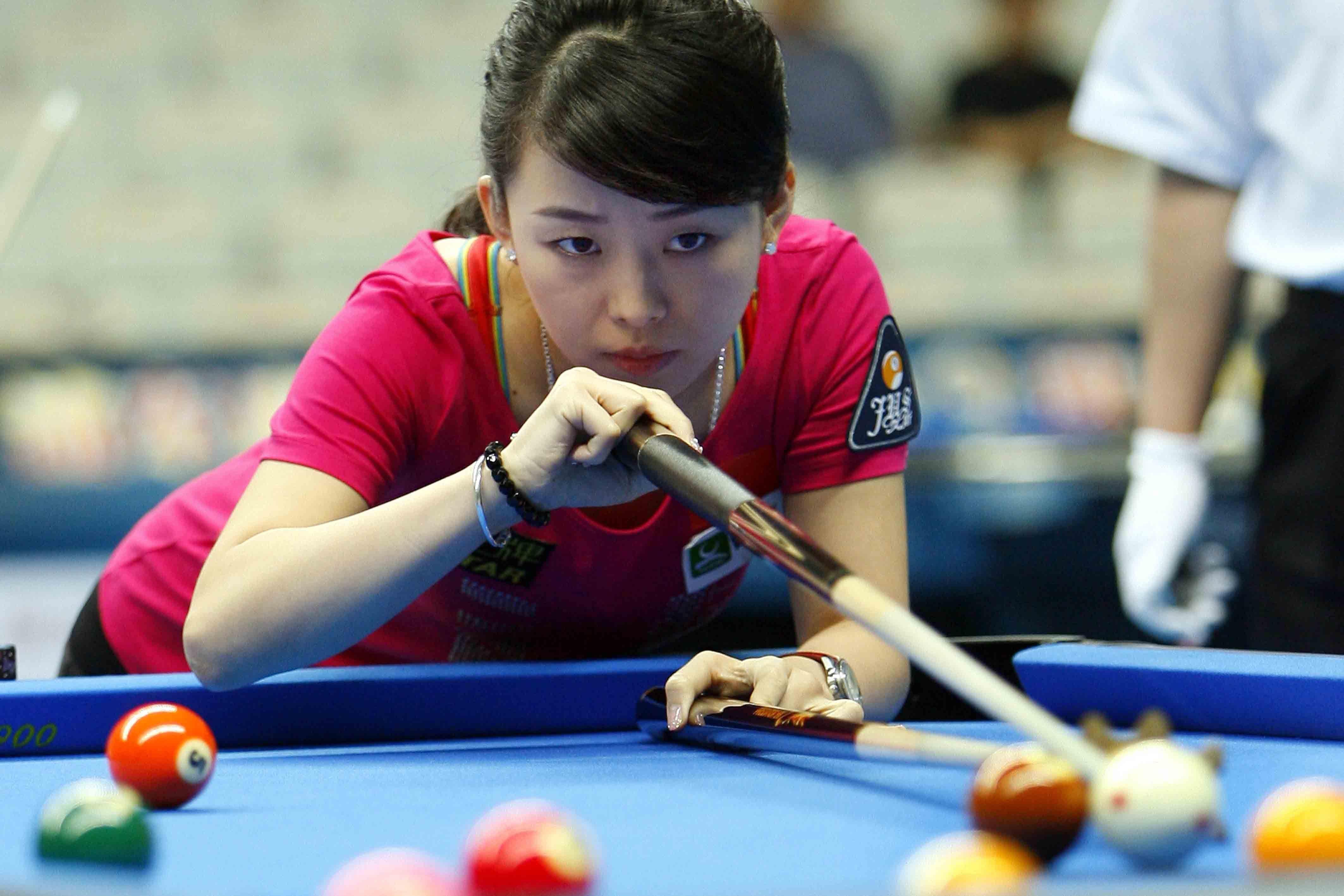 """数字人生666 中国体育  潘晓婷被媒体公认为台球美女,被誉为""""九球天后"""